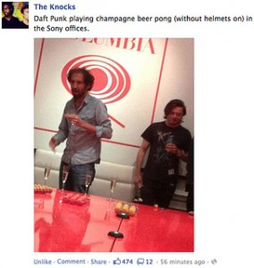 Auch Daft Punk spielen Partyspielchen.