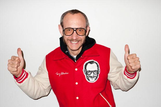 Terry, seine berühmte Brille und die berühmte weiße Wand