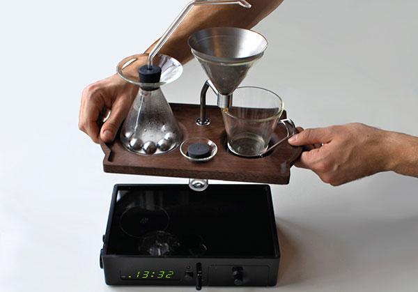 weckende Kaffeemaschine von joshua renouf modernes design