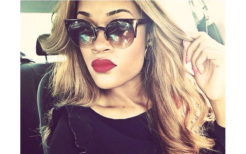 RihannaText2